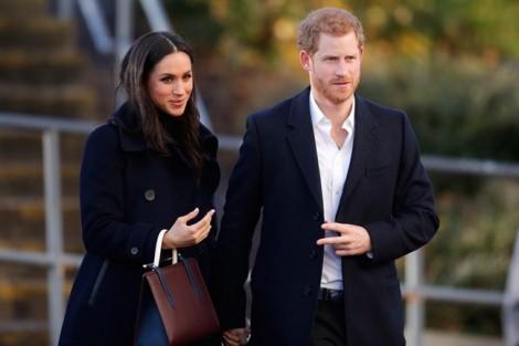 Công nương Meghan Markle bị cha chồng ngăn cản mang vương miện đến tiệc hoàng gia