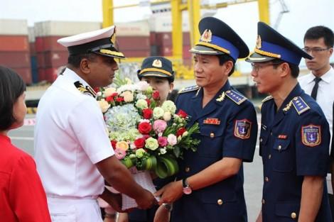 Tàu của Lực lượng bảo vệ bờ biển Ấn Độ thăm Đà Nẵng