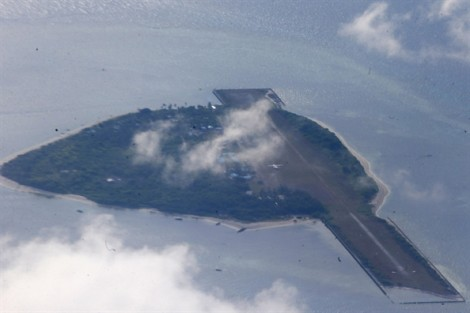 Philippines lên tiếng cảnh báo về 200 tàu Trung Quốc hiện diện quanh đảo Thị Tứ