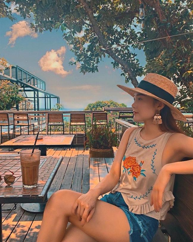Non rong vanh - phu kien sao Viet yeu thich he 2019