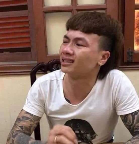 'Giang ho online' Kha Banh khoc loc tai co quan dieu tra, thua nhan hieu biet kem