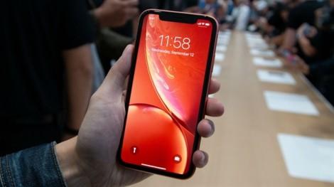 iPhone giảm giá mạnh tại Trung Quốc, 'tín đồ' trong nước hưởng lợi gì?