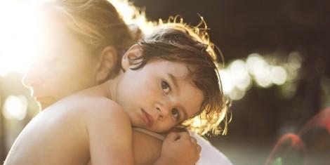 Con sinh ra từ tinh trùng trữ đông của người cha đã qua đời, có được ghi tên cha?