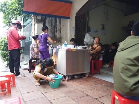 Quán 'chửi' ở Sài Gòn, muốn ăn ngon hay thích nghe chửi?
