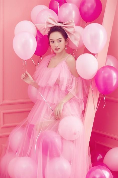 Kaity Nguyễn phải lòng mốt đầm hồng ngọt ngào