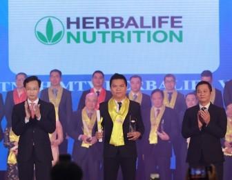 Herbalife tiếp tục được trao danh hiệu 'Thương hiệu thực phẩm bổ sung dinh dưỡng hàng đầu' tại Giải thưởng Rồng Vàng năm 2019