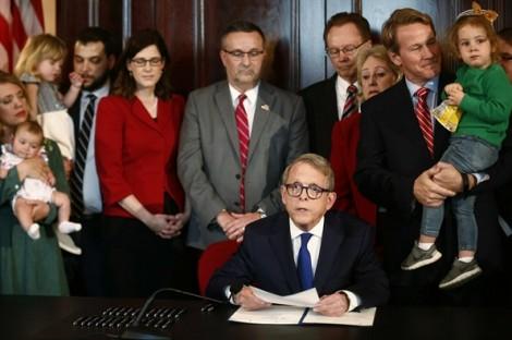 Ohio cấm phá thai sau khi đã nghe tiếng tim thai