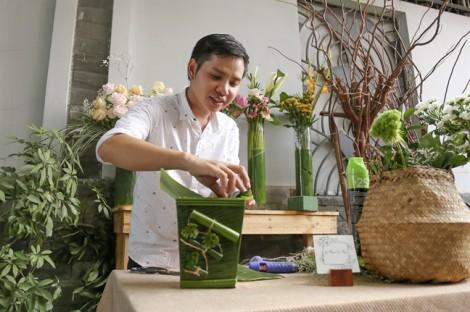Gói hoa bằng lá chuối ở Sài Gòn