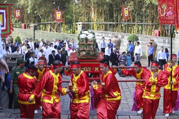 TP.HCM: Khu Tuong niem cac Vua Hung thu hut 3 trieu luot khach tham quan
