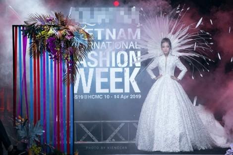 Tuần lễ Thời trang Quốc tế Việt Nam 2019: Mất vẫn nhiều hơn được!
