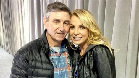 Britney Spears tái nghiện, rời căn biệt thự 7,4 triệu USD
