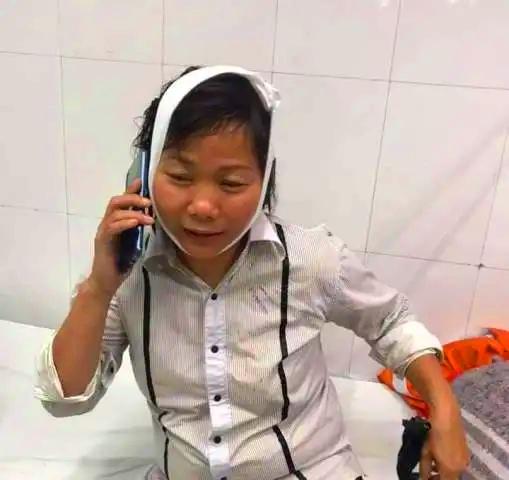 Dình chỉ cong viec 2 nhan vien bảo vẹ hanh hung nu tai xe taxi