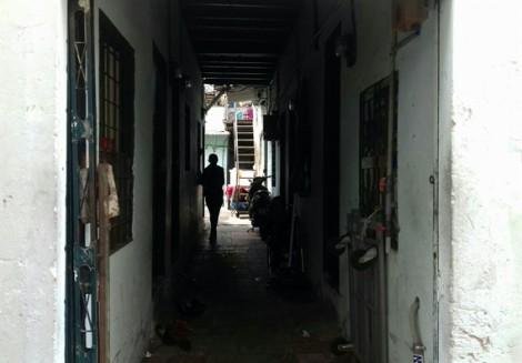 Kẻ thừa nhận có hành vi dâm ô bé gái được thả về, cả xóm trọ bức xúc