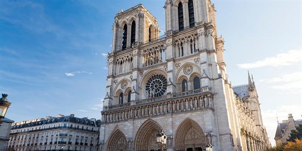 8 bí mạt vè Nhà tho Duc Ba Paris