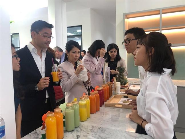 Cuu Pho thu tuong Duc Philipp Roseler: Khoi nghiep la phai biet bien y tuong thanh hien thuc