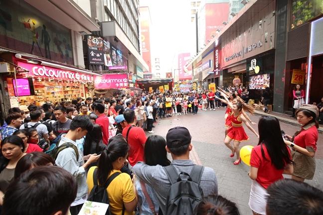 Vietjet ruc ro chao don chuyen bay dau tien Hong Kong - Phu Quoc