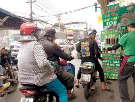 Nắng nóng: Nghề bán nước lề đường hốt bạc