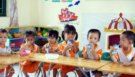 Điều chỉnh thời gian triển khai sữa học đường