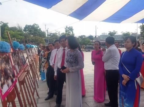 Bác Hồ sáng mãi trong trái tim phụ nữ Việt Nam