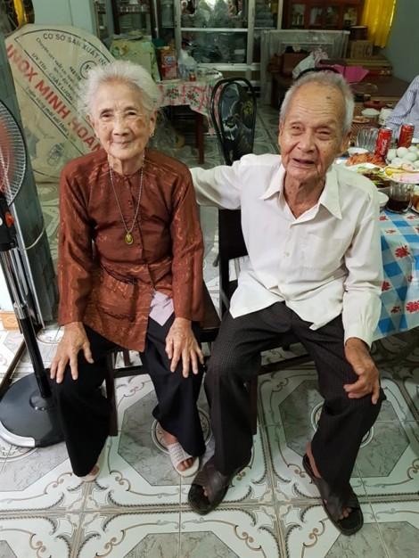 Con trai tổ chức cho cha gặp mặt người cũ, sau 65 năm xa cách