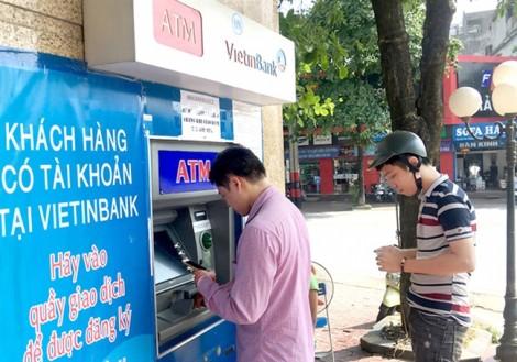 Ngân hàng 'làm khó' chủ thẻ để ngừa kẻ gian