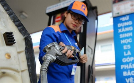 Xăng tiếp tục tăng giá 1.000 đồng mỗi lít