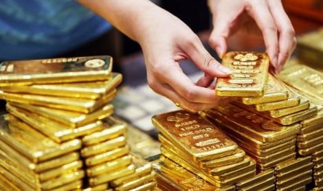 Giá vàng hôm nay 4/5 giảm cả 100.000 đồng khi thế giới trượt dốc