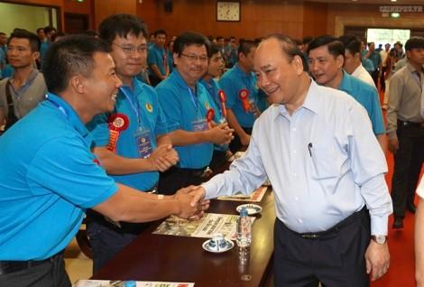 Thủ tướng Nguyễn Xuân Phúc: Chúng ta không đi theo con đường lao động giá rẻ nữa!