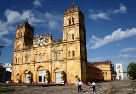 Bộ VH-TT-DL lần đầu lên tiếng trước việc hạ giải nhà thờ Bùi Chu