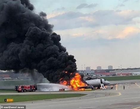 41 người thiệt mạng khi máy bay bốc cháy lúc hạ cánh xuống sân bay