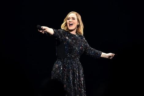 Adele 'tử tế với chính mình' ở tuổi mới