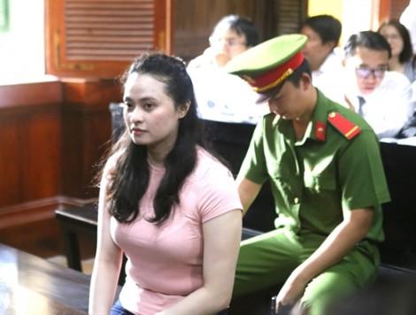 'Hotgirl' Ngọc Miu và dàn đàn em thân cận hầu tòa cùng ông trùm Văn Kính Dương