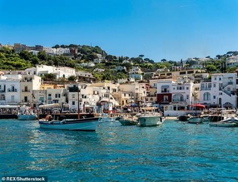 Ý: Du khách không được mang sản phẩm nhựa đến đảo Capri