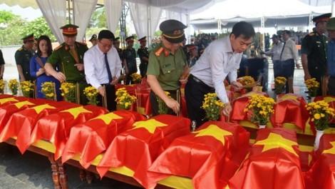 An táng 26 hài cốt quân tình nguyện và chuyên gia Việt Nam hy sinh tại Lào