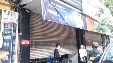 Bộ Công an đang khám xét chuỗi cửa hàng điện thoại Nhật Cường