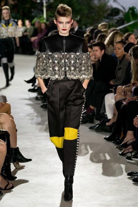BST mới nhất của Louis Vuitton: Người dơi 'làm mưa làm gió'