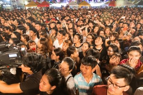 Hàng triệu bạn trẻ háo hức chờ đợi lễ hội Phố hàng nóng