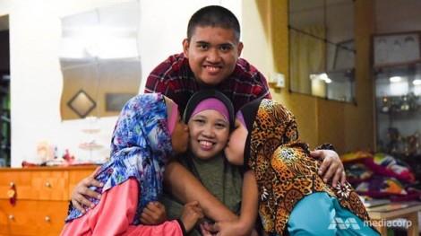 Singapore: Tấm lòng người mẹ nuôi dạy 3 con khuyết tật thành vận động viên quốc gia