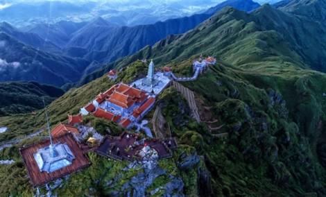 Đồng hành cùng đại lễ Vesak 2019: Đoàn đại biểu quốc tế hành hương chiêm bái đỉnh thiêng Fansipan
