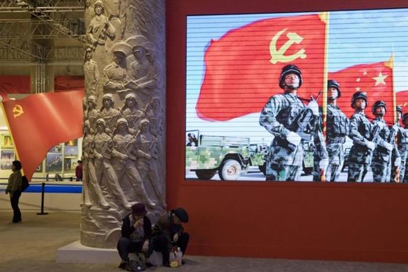 Trung Quoc thay doi giong dieu, tuyen bo 'se chien dau den cung' voi My