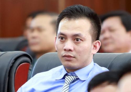 Ban Bi thu cach het cac chuc vu trong dang doi voi ong Nguyen Ba Canh