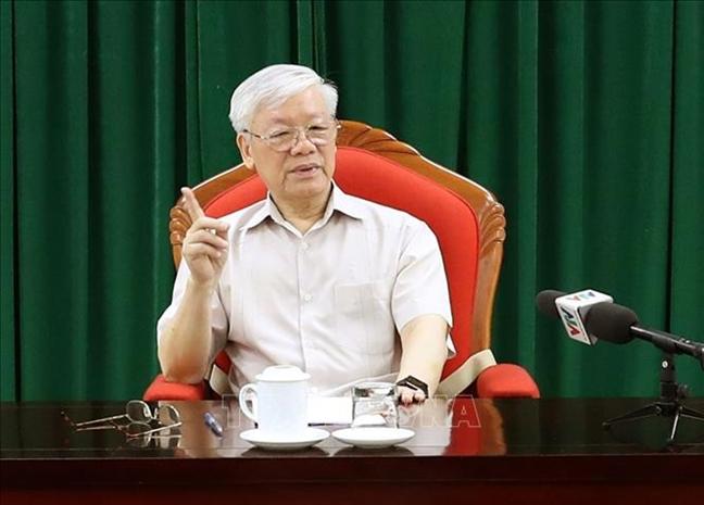 Tong bi thu, Chu tich nuoc Nguyen Phu Trong chu tri cuoc hop lanh dao chu chot