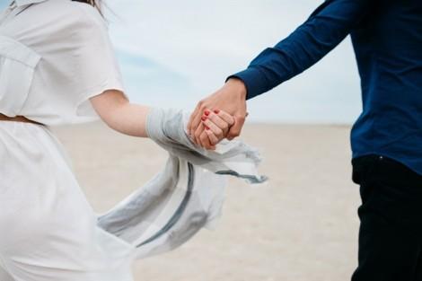 Anh không thể cưới, nhưng đừng bỏ anh