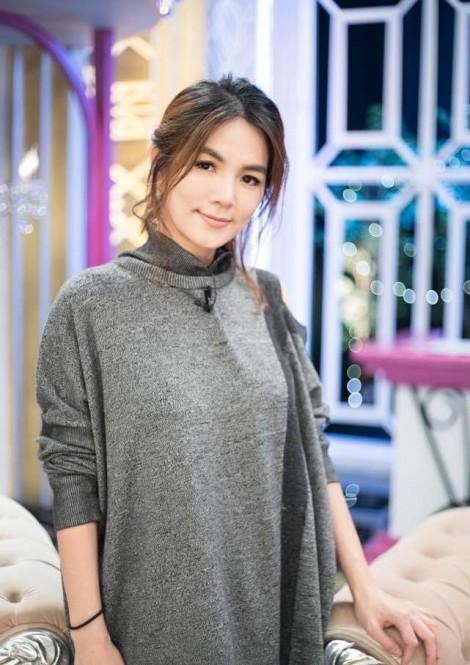 Nhiều nữ nghệ sĩ Hoa ngữ tổn hại sức khỏe nặng nề sau sinh con