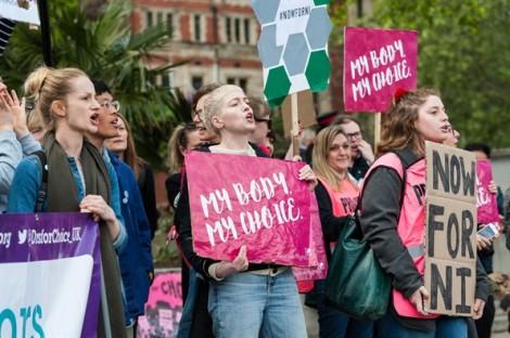 Dân Mỹ đòi tẩy chay bang Alabama sau lệnh cấm phá thai đầy tranh cãi