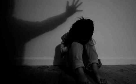 2 lần kêu cứu, bé gái 13 tuổi thoát khỏi 'yêu râu xanh'
