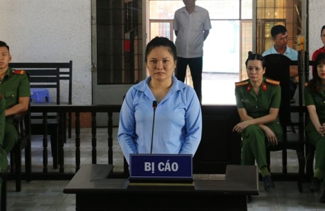 Vận chuyển 22 bánh ma túy, nữ bị cáo lãnh án chung thân