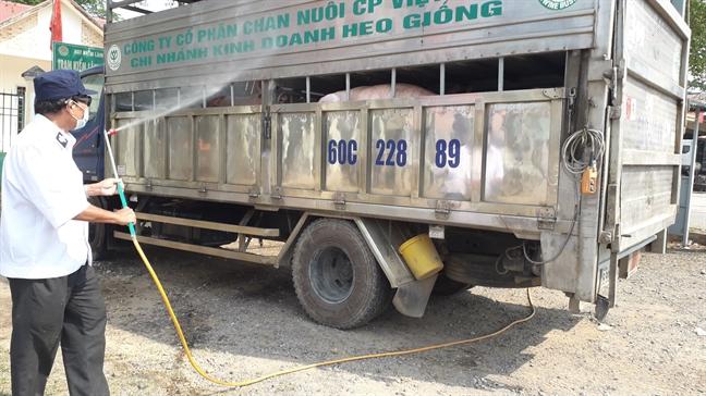 25.000 lit hoa chat khong du de Dong Nai tieu doc, khu trung