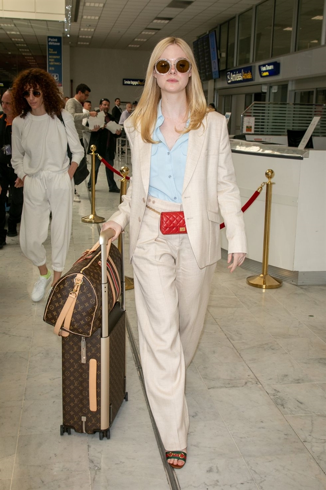 Thoi trang an tuong cua Elle Fanning tai Cannes 2019