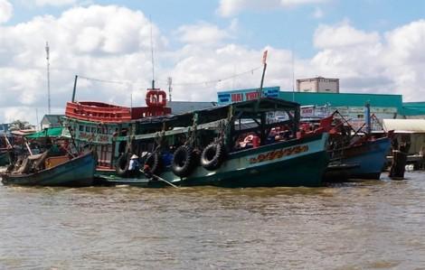 Cà Mau: 2 tàu cá cùng 11 thuyền viên bị Hải quân Thái Lan bắt giữ